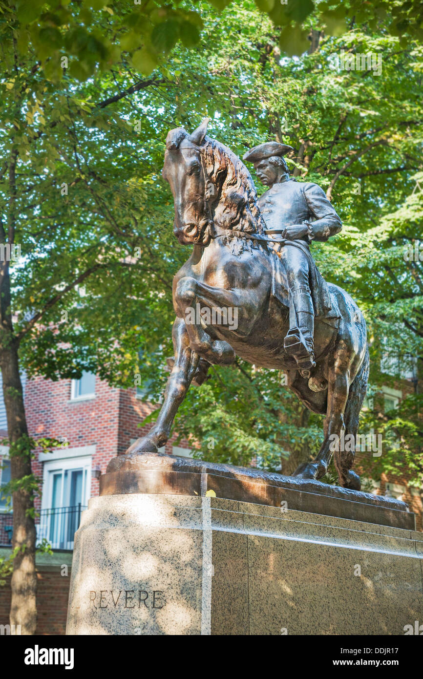 [Image: statue-of-patriot-and-national-hero-paul...DDJR17.jpg]