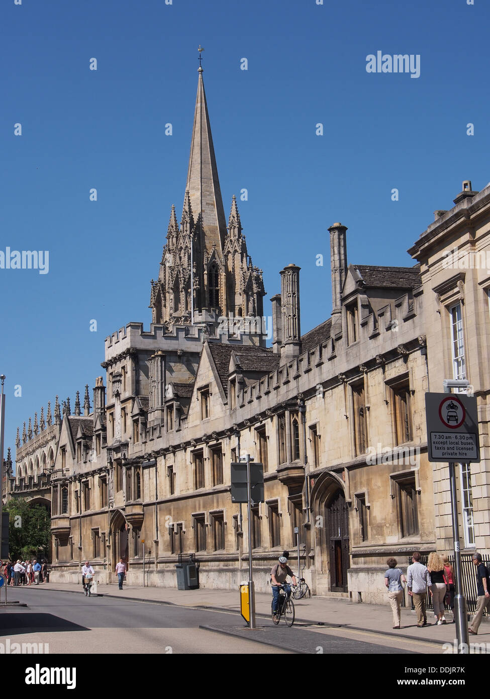 Oxford High Street and St. Mary's Tower - Stock Image