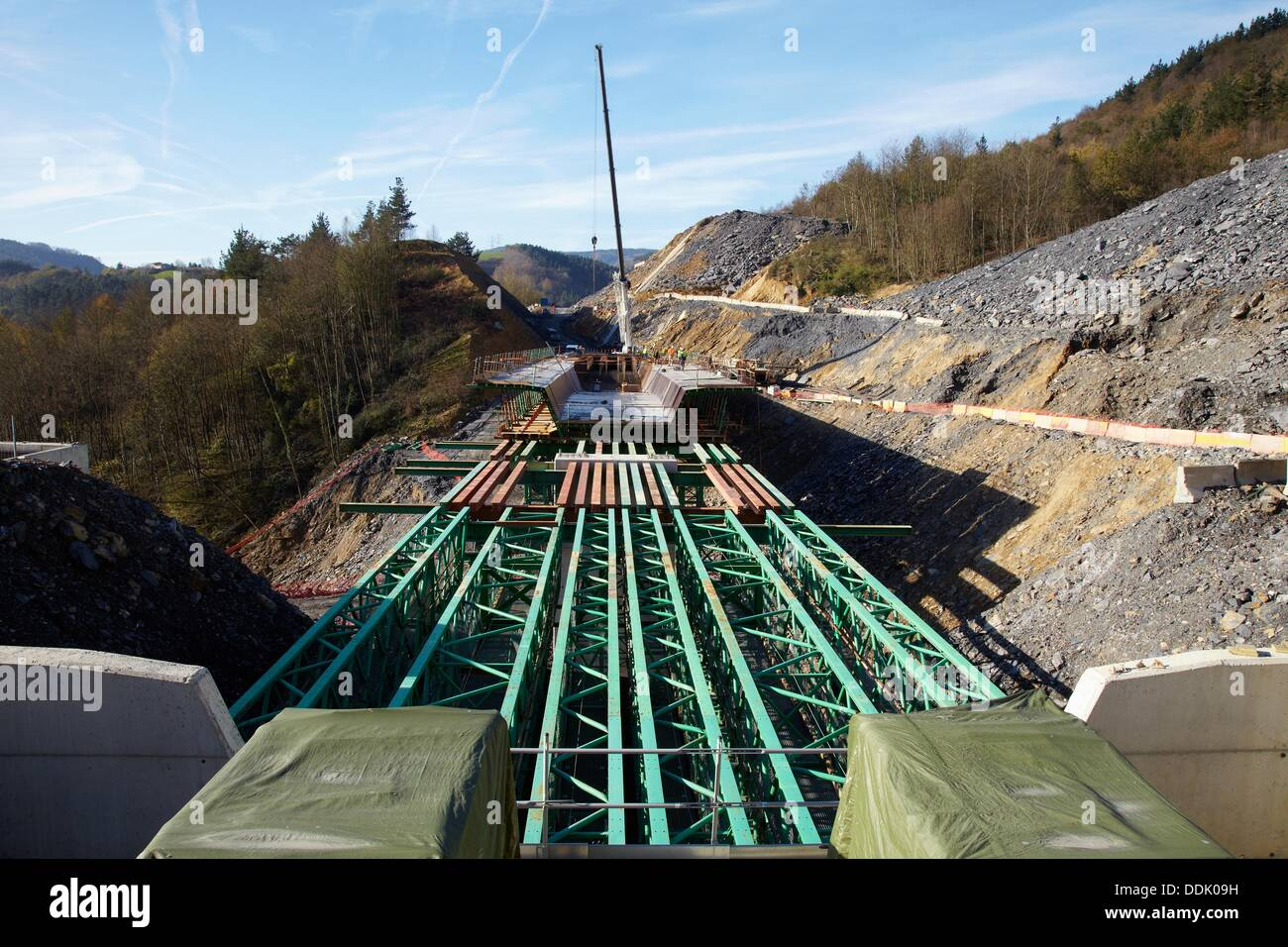 Construction of viaduct, Works of the new railway platform in the