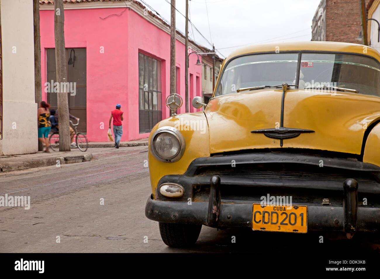 vintage US car from the 50`s in the streets of Camagüey, Cuba, Caribbean, - Stock Image