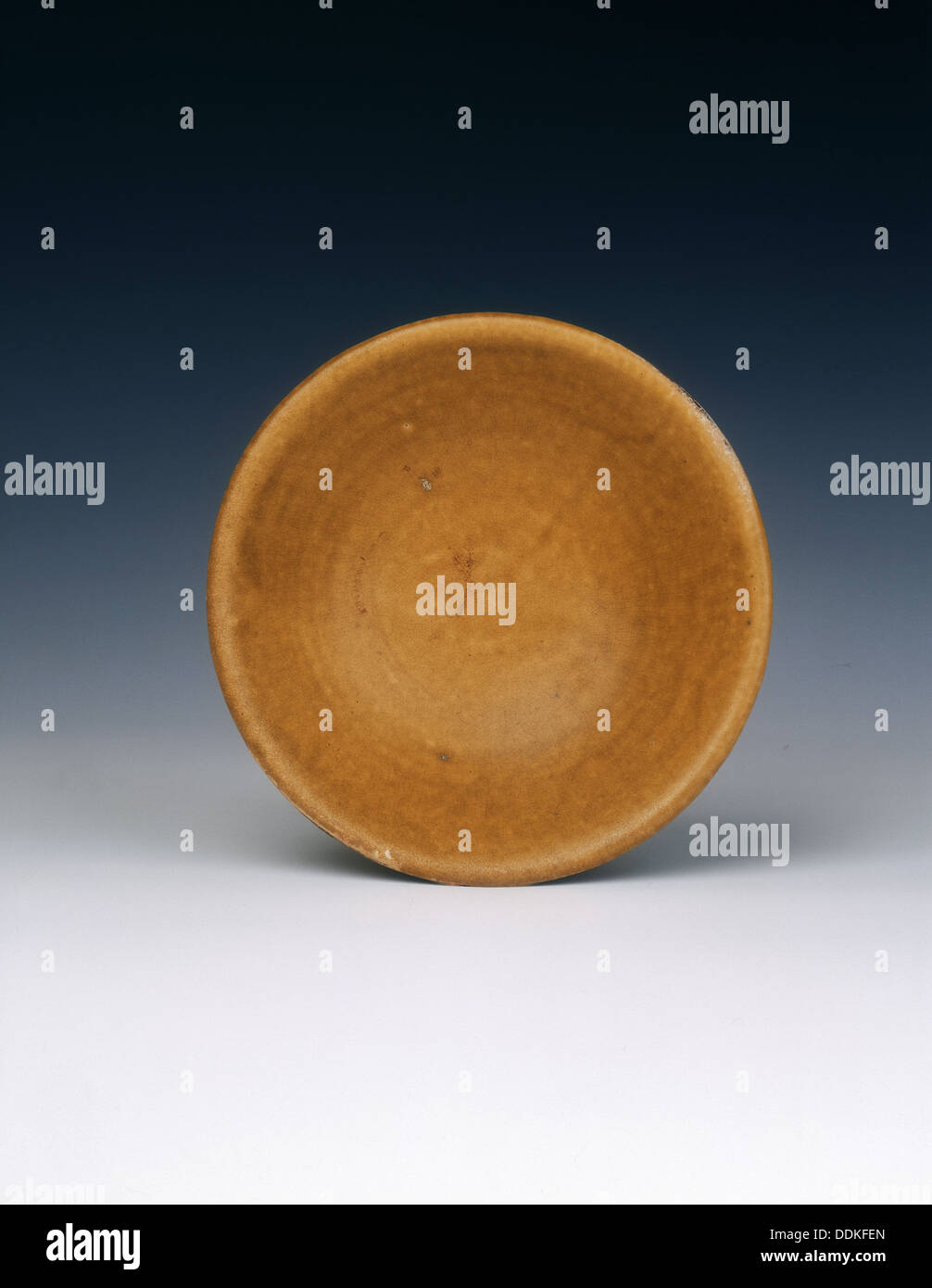 Shallow lead glazed dish, Late Tang dynasty, China, 9th century. - Stock Image