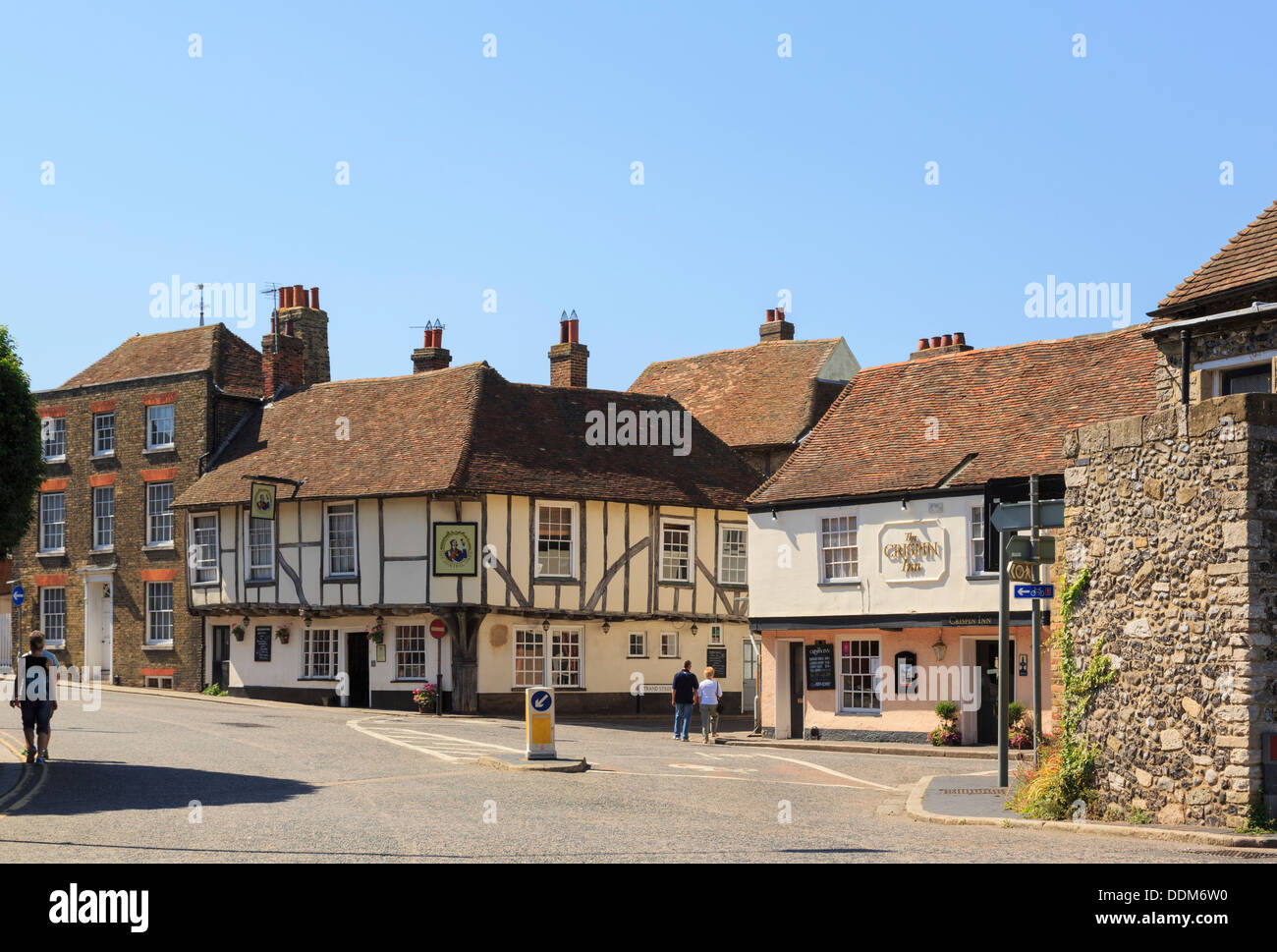 15th century Admiral Owen pub and 16th century Crispin Inn in historic town. High Street, Sandwich, Kent, England, UK, Britain - Stock Image