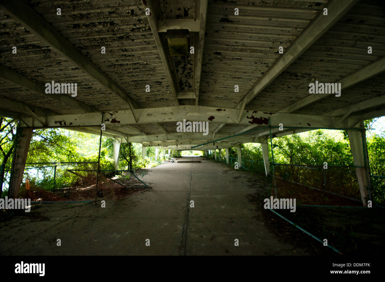 The Decaying Ferry Terminal At The Abandoned Boblo Island Amusement Stock Photo Alamy