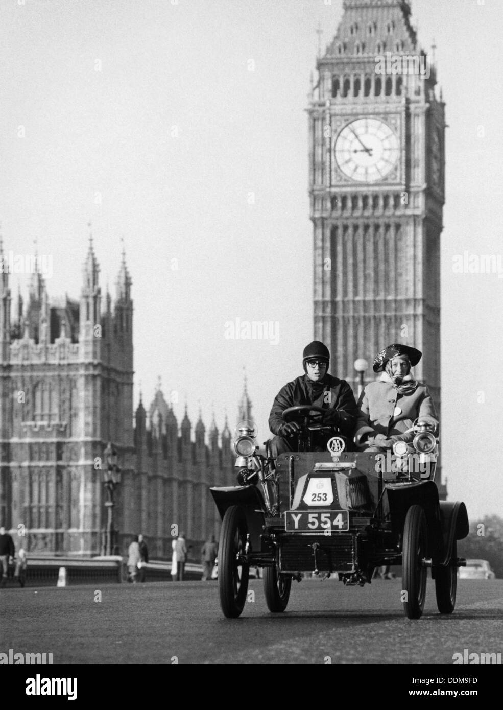 1903 De Dion on the London to Brighton Run with Big Ben behind, London. - Stock Image