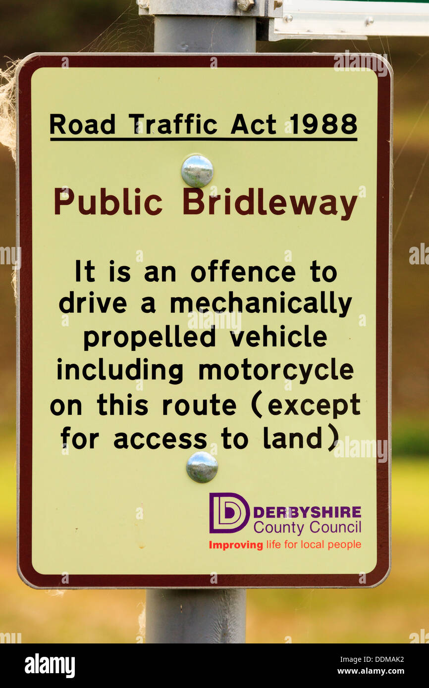Public Bridleway sign prohibiting all motor vehicles on a track in the Peak District Derbyshire - Stock Image