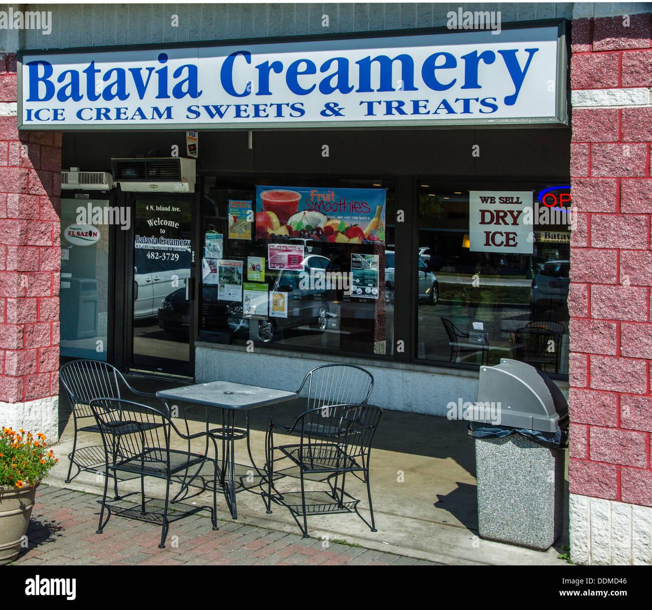 Batavia Creamery in  Batavia Illinois IL along the Lincoln Highway - Stock Image