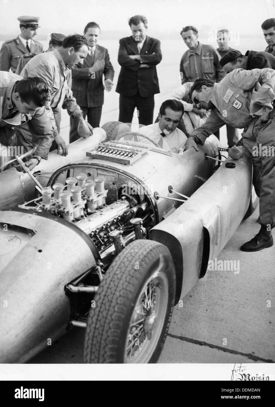 Alberto Ascari at the wheel of the new Lancia Grand Prix car, 1955. - Stock Image