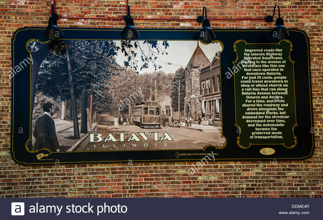 The Lincoln Highway Interpretive Mural in Batavia, Illinois along the Lincoln Highway - Stock Image