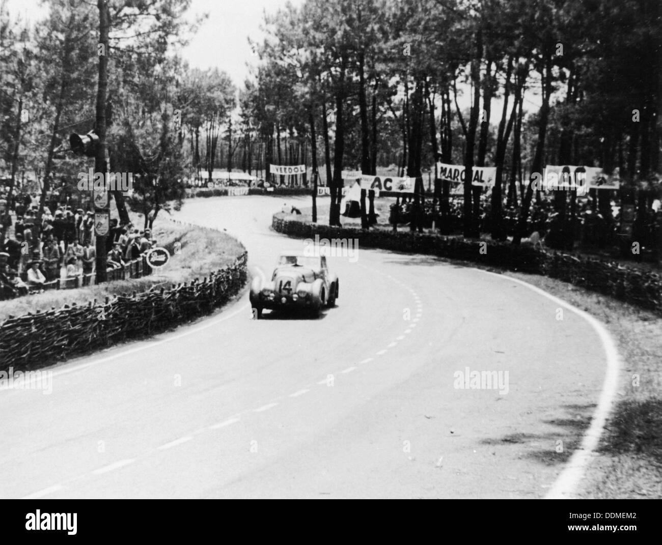 1939 Bentley Corniche at Le Mans, France, 1951. - Stock Image