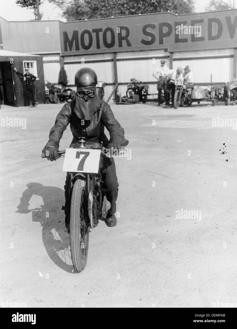 A cyclist at Lea Bridge speedway circuit, 1928. - Stock Image