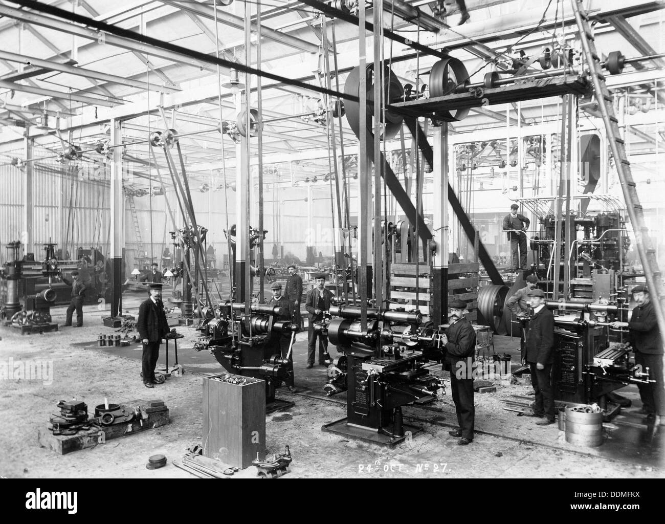 Machine shop in the Argyll car factory, Glasgow, c1899-c1930. - Stock Image