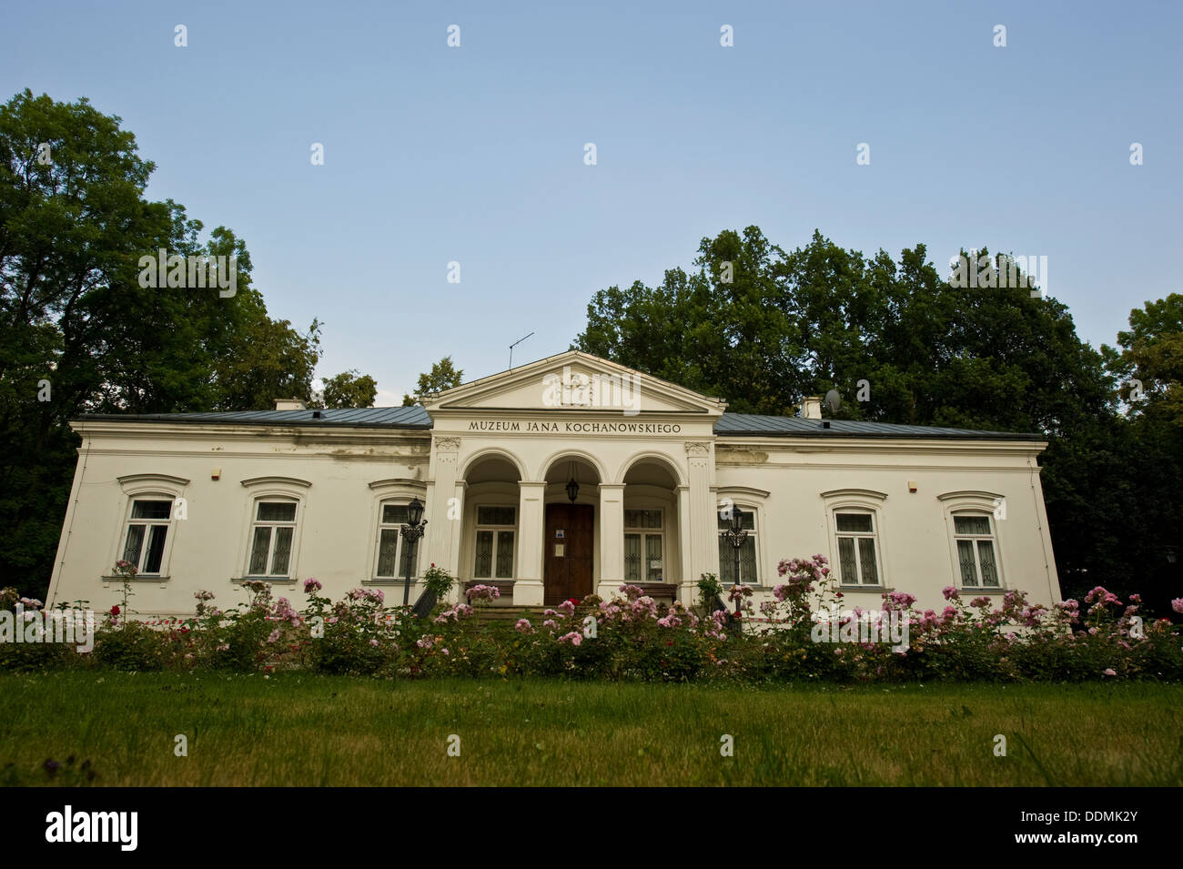Last August, the manor of Hannibal in Kobrin burned down 38