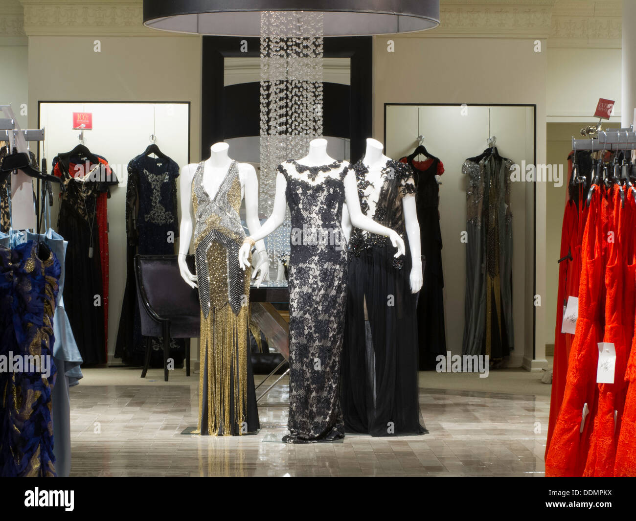 Lord Taylor Flagship Store 424 Fifth Avenue Nyc Ladies Formal