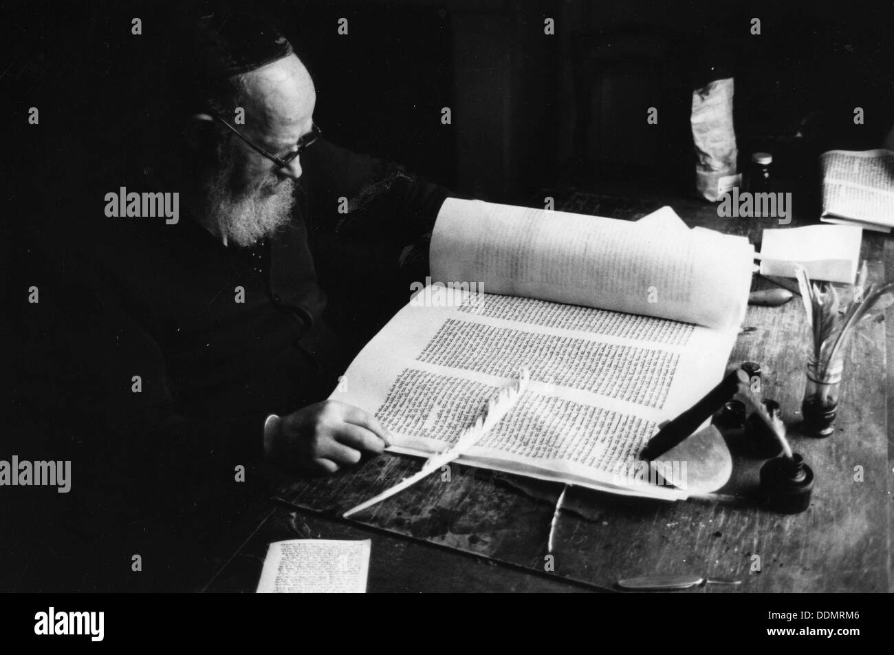 Solomon Alter, official scribe to the London Beth Din. - Stock Image