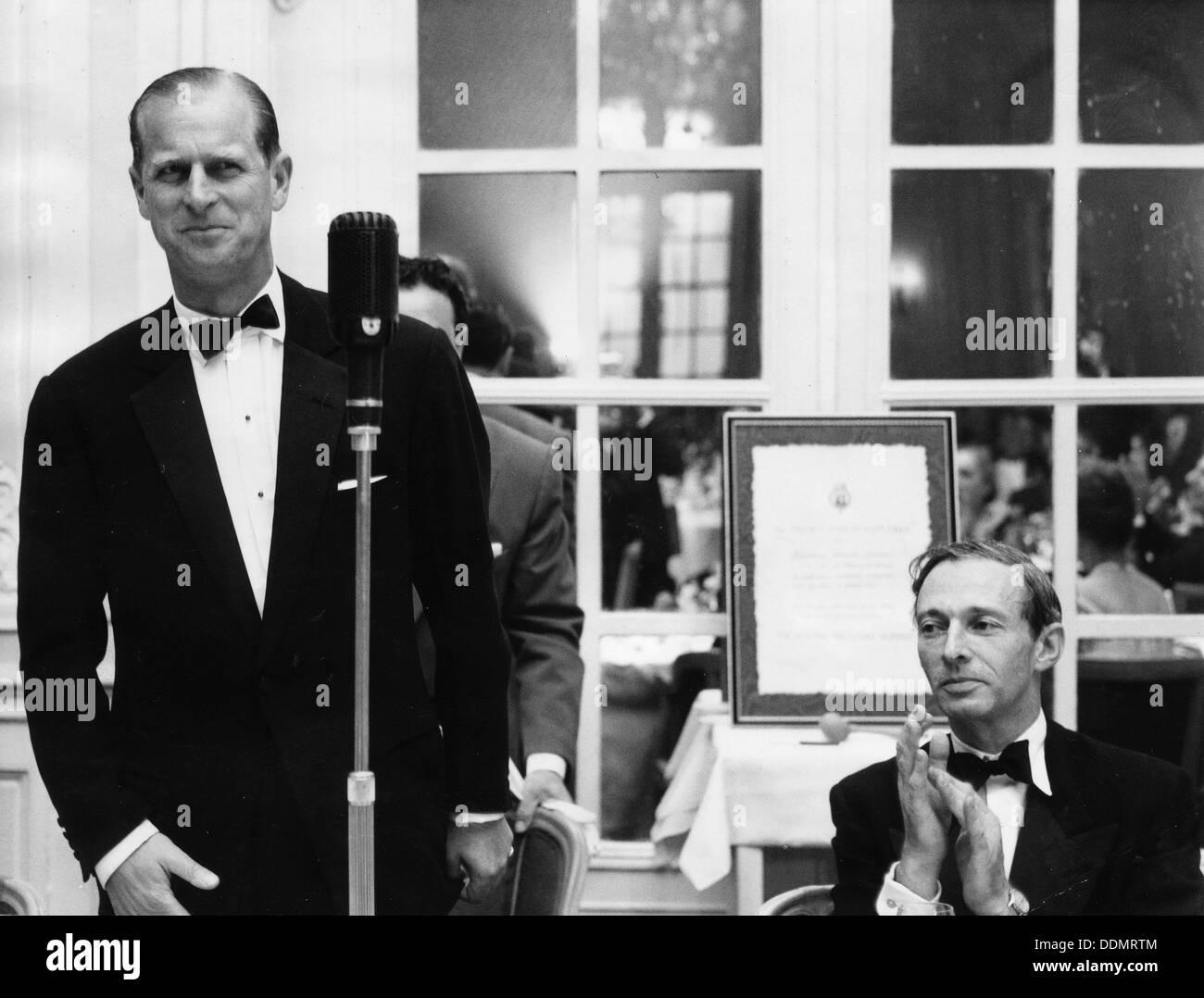 Lionel Cohen and the Duke of Edinburgh at the Jewish Welfare Board Dinner, 1964. - Stock Image