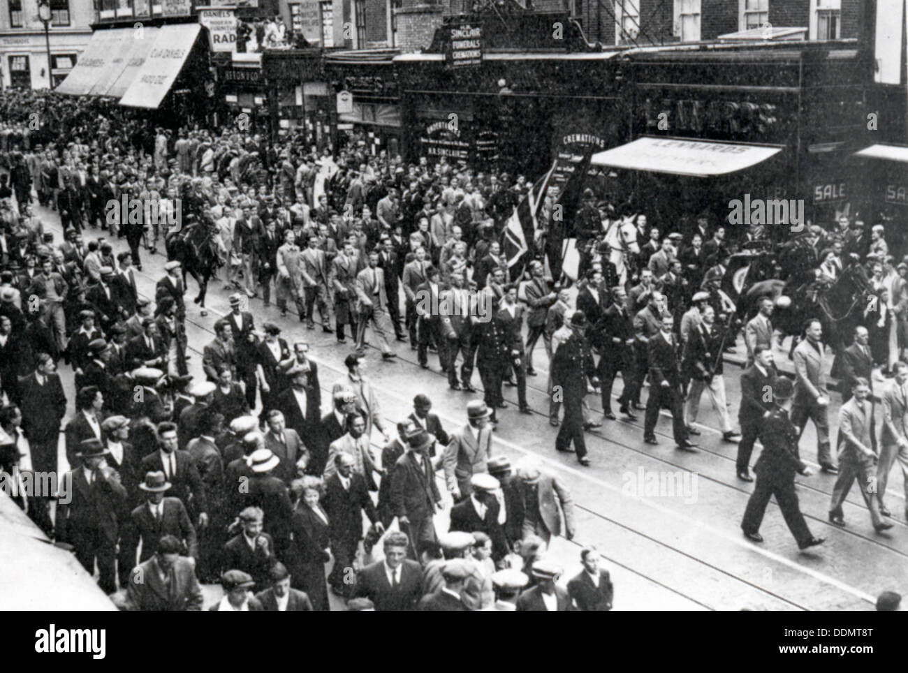 Street March through East London, Sir Oswald Mosley's Union Movement, 1936. - Stock Image