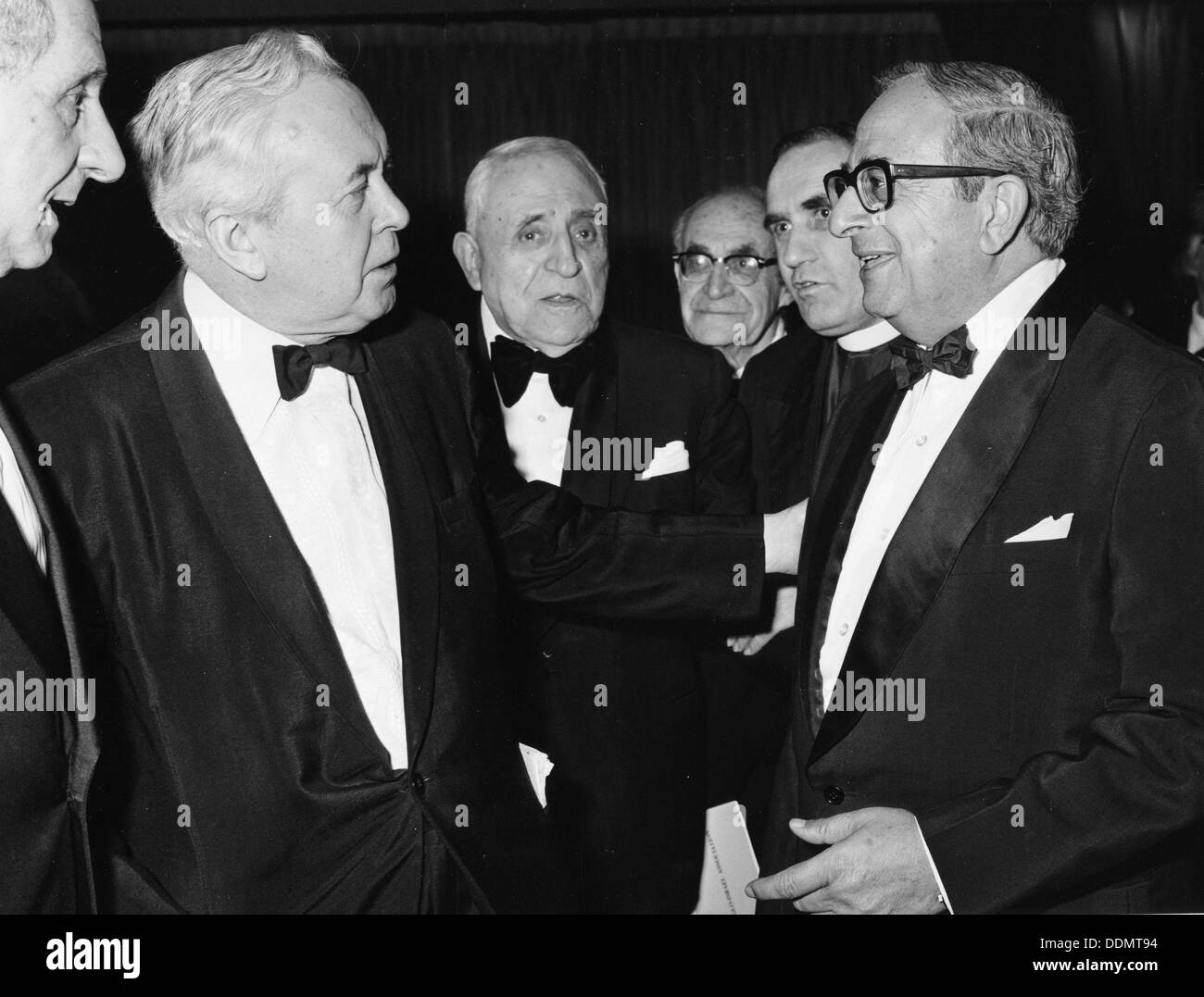 Itzhak Navon (1921- ), President of Israel, with Harold Wilson, Lord Janner and Peter Schnieder. - Stock Image
