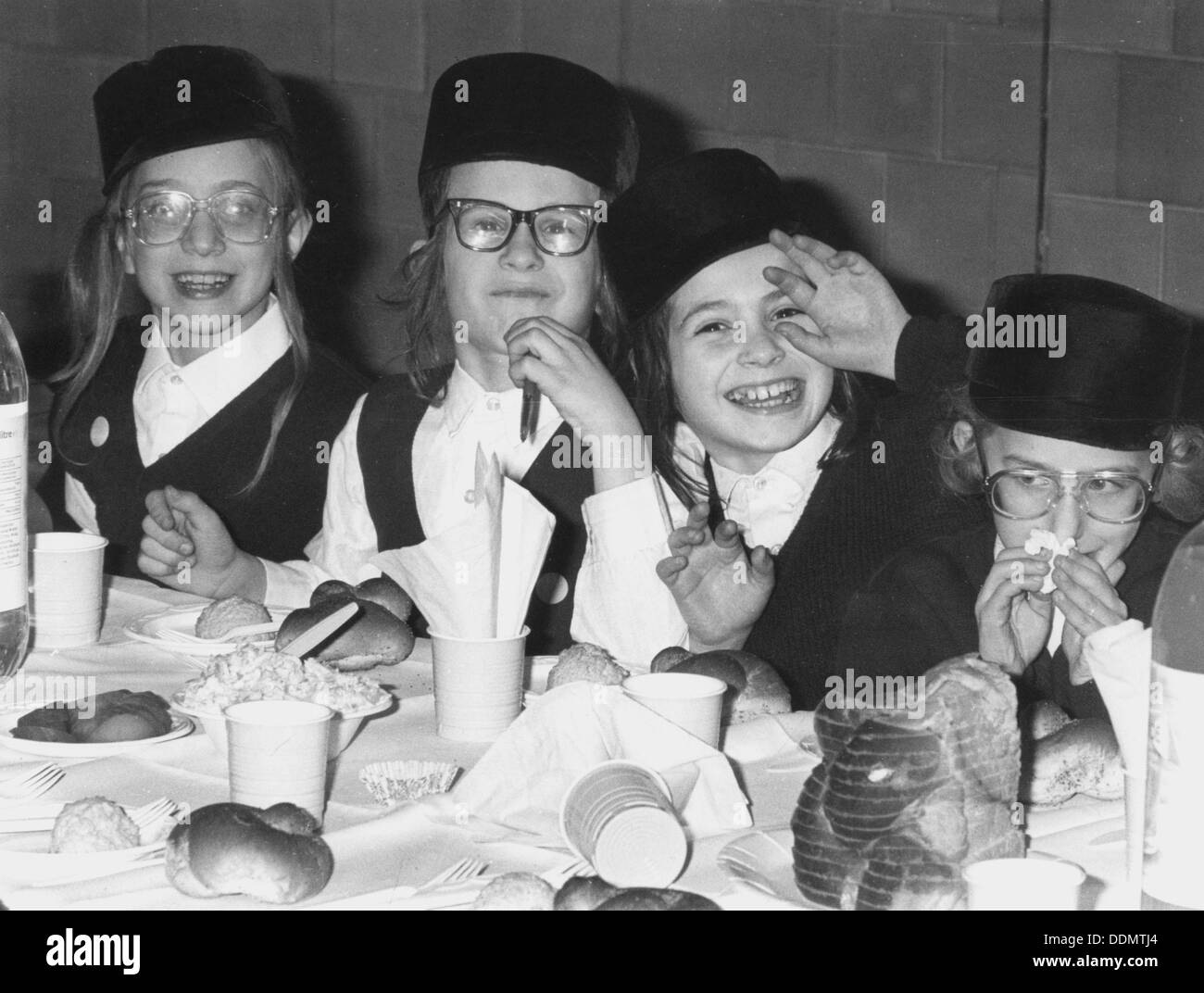 Jewish children at an Agudist event, 6 January 1989. Artist: Henry Jacobs - Stock Image