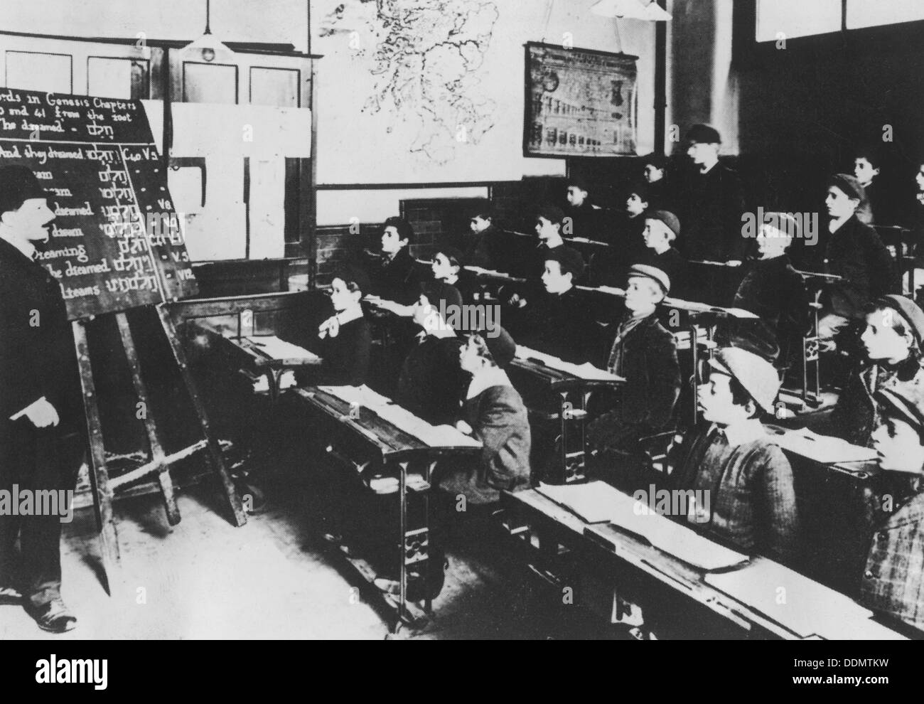 A class in Hebrew at the Jewish Free School, c1907. - Stock Image