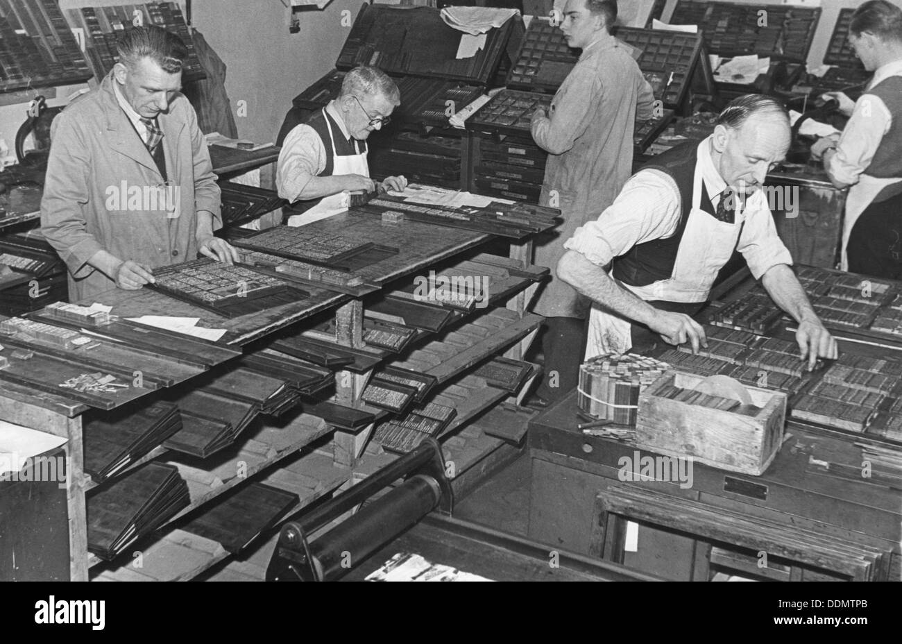 Printing room at the Jewish Chronicle, London, c1951. Artist: EH Emanuel - Stock Image