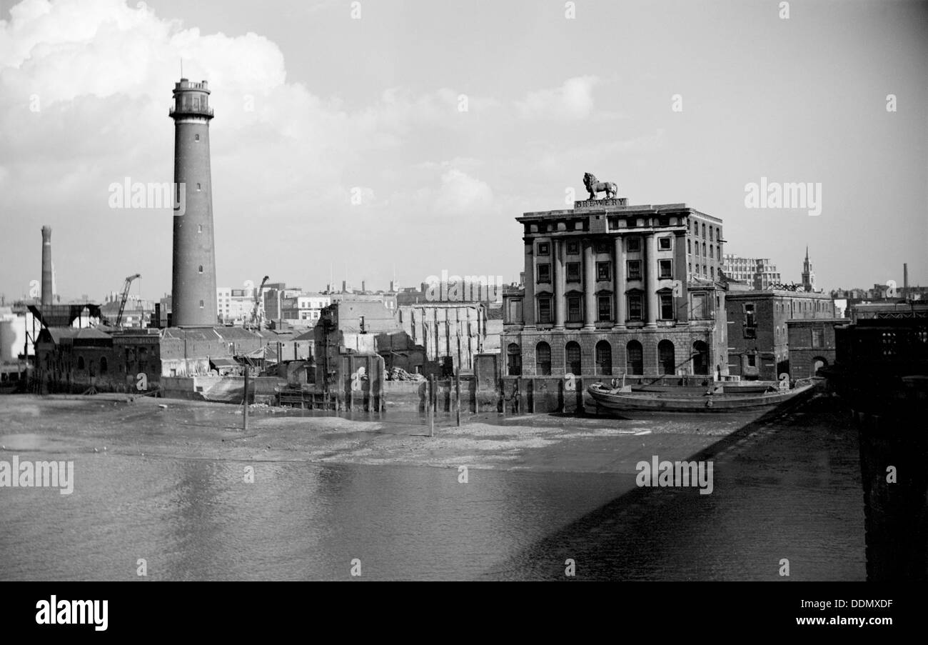 The Lion Brewery and the shot works adjoining Waterloo Bridge, London, c1945-c1965. Artist: SW Rawlings - Stock Image