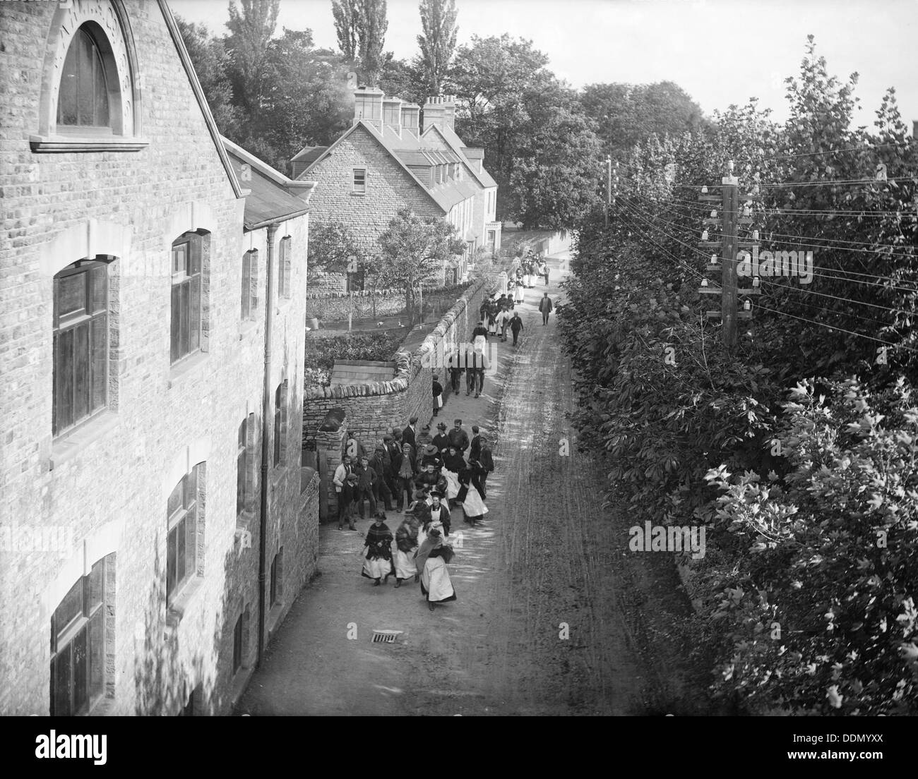 Workers at the Early Blanket Factory, Witney, Oxfordshire, c1860-c1922. Artist: Henry Taunt - Stock Image