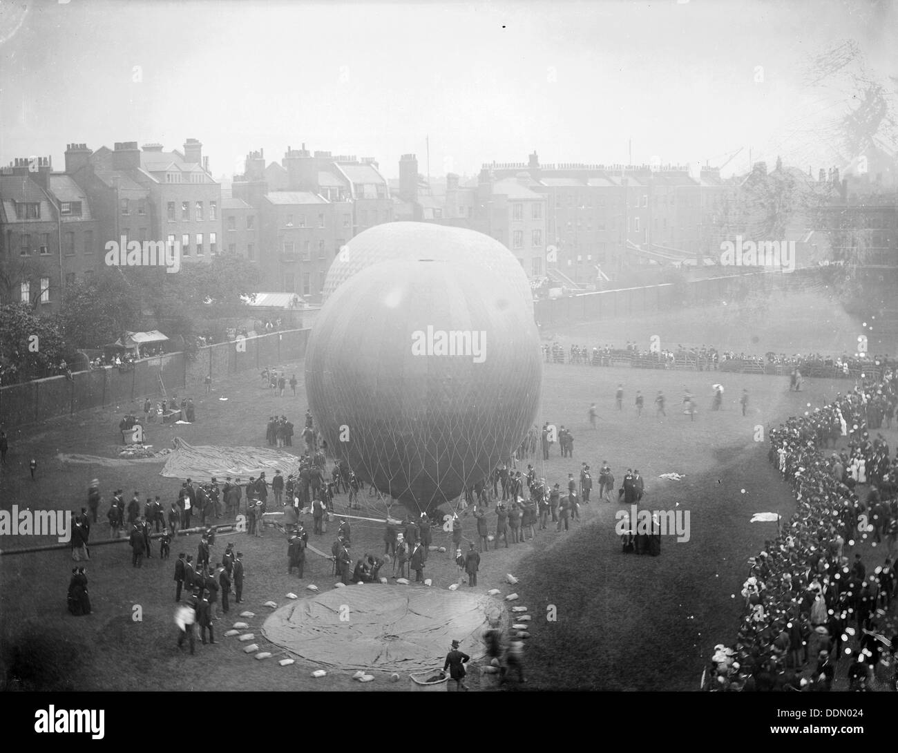 Hot air balloons at Armoury House, Finsbury, Islington, London, c1860-c1922. Artist: Henry Taunt - Stock Image