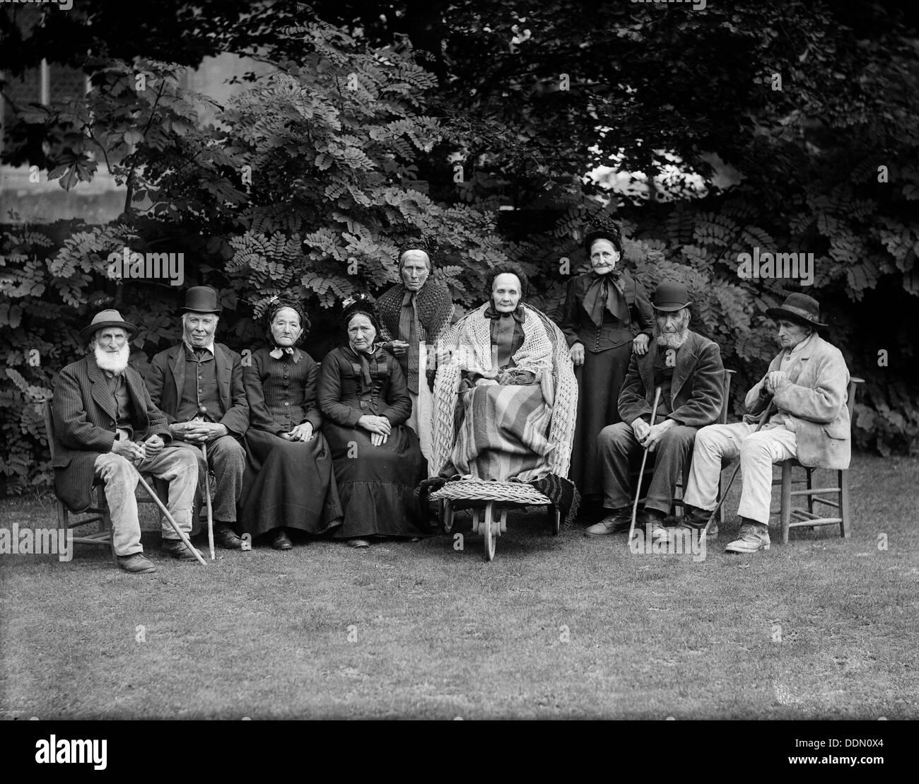 Group portrait at West Ilsley, Berkshire, c1860-c1922. Artist: Henry Taunt Stock Photo