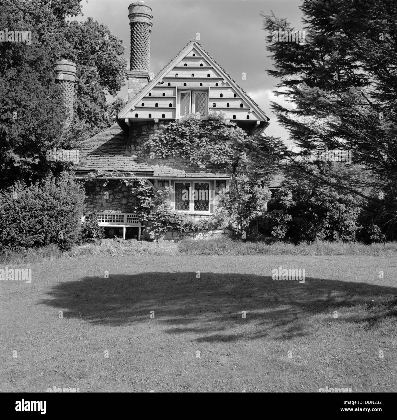 Cottage in Blaise Hamlet, Henbury, Bristol, 1945. Artist: Eric de Maré Stock Photo