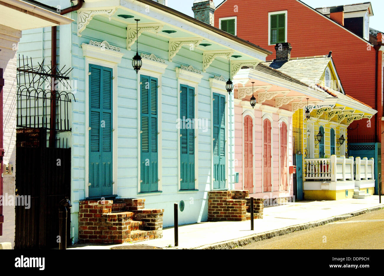 creole cottages on st anne street in the french quarter of new rh alamy com audubon cottages in new orleans rental cottages in new orleans