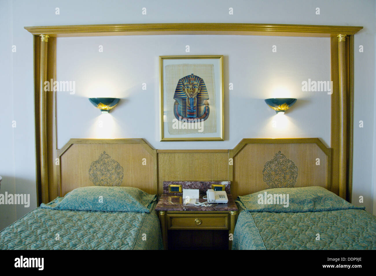 Twin Bedded Hotel Room With Egyptian Decor At The Hotel Sonesta St Stock Photo Alamy