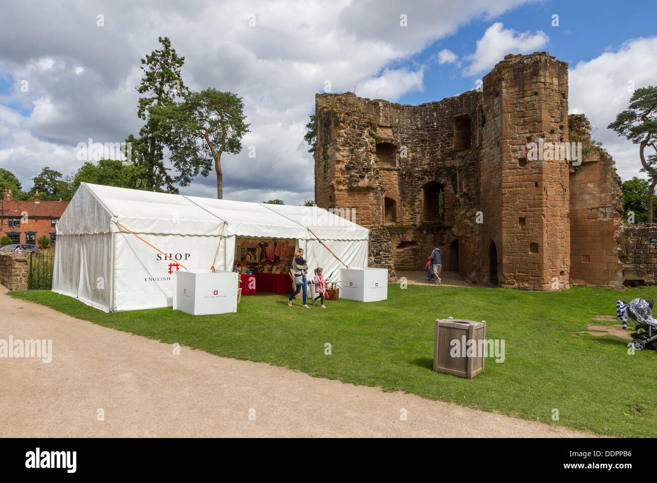 Temporary shop in the grounds of Kenilworth Castle, Warwickshire, England. - Stock Image
