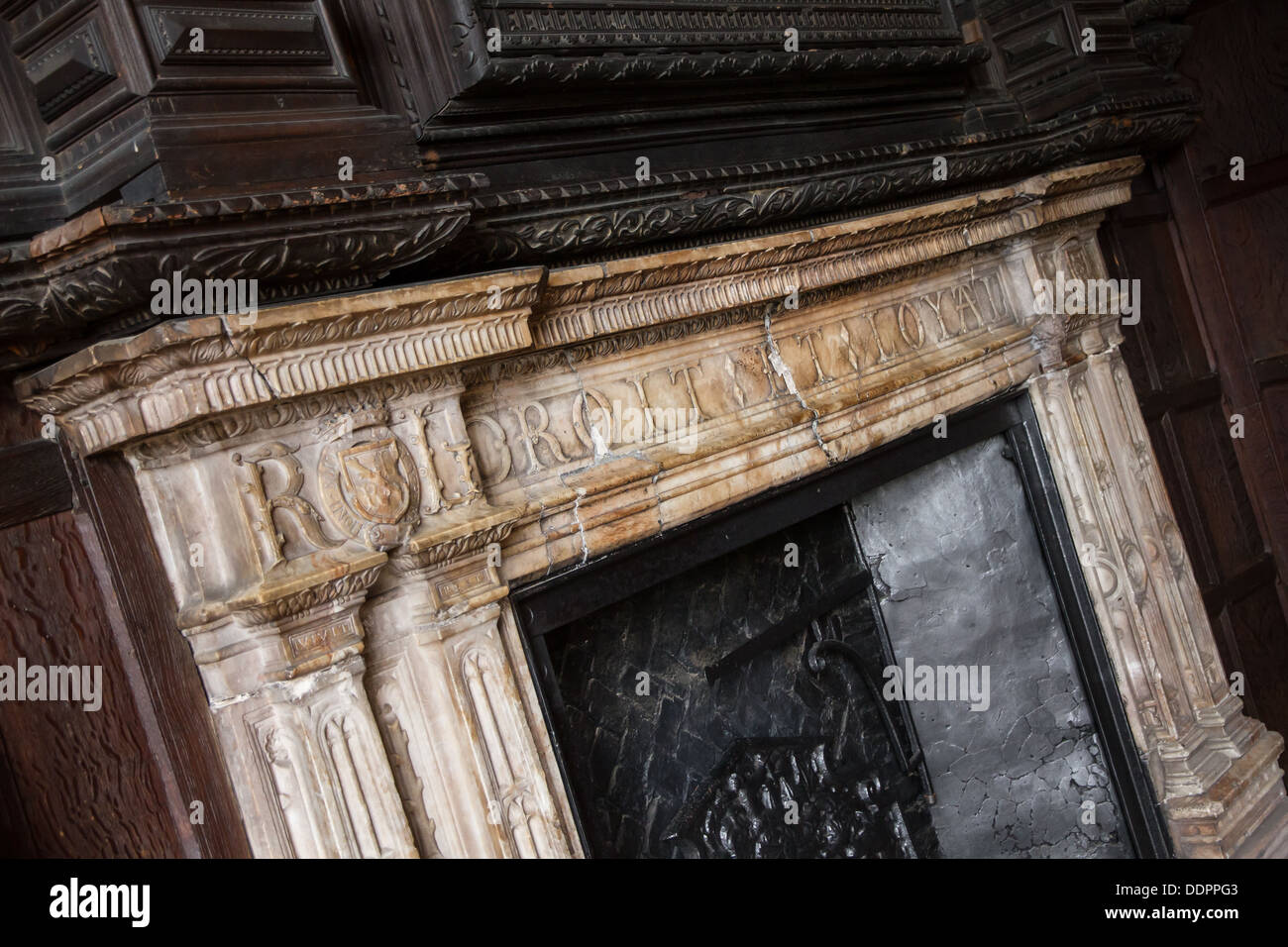 The grand Alabaster fireplace in the Oak Room in the Gatehouse at Kenilworth Castle - Stock Image