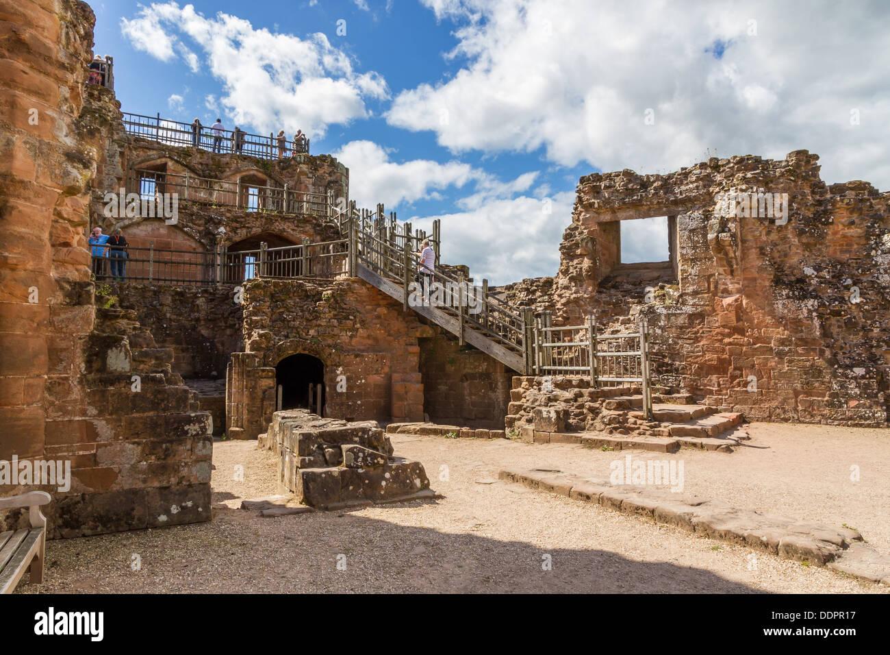 The Ruins of Kenilworth Castle, Kenilworth, Warwickshire. - Stock Image