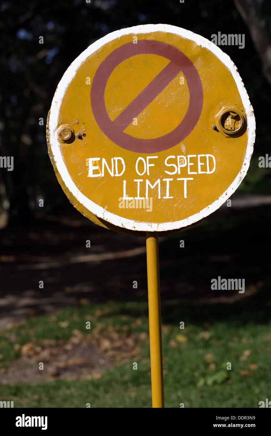Old traffic sign with 'End of Speed Limit', Vanua Lava, Banks Islands, Vanuatu, Melanesia, South Pacific - Stock Image
