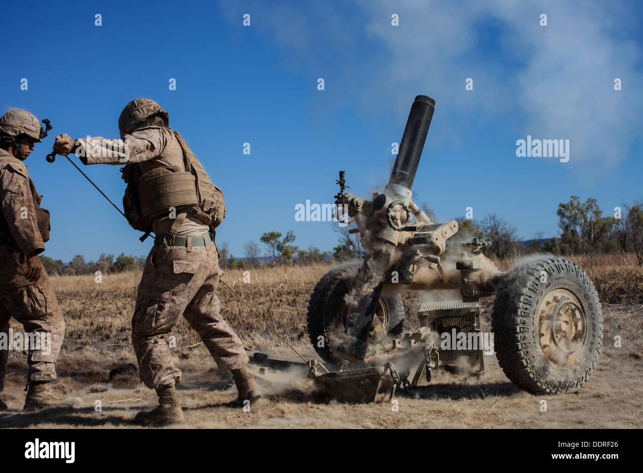 Marines with Weapons Co., Battalion Landing Team 2nd Battalion, 4th Marines, 31st Marines Expeditionary Unit, fire the Expeditio - Stock Image