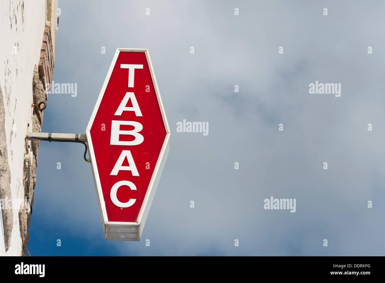 Unique Tobacconist Shop Stock Photos & Tobacconist Shop Stock Images - Alamy RV39