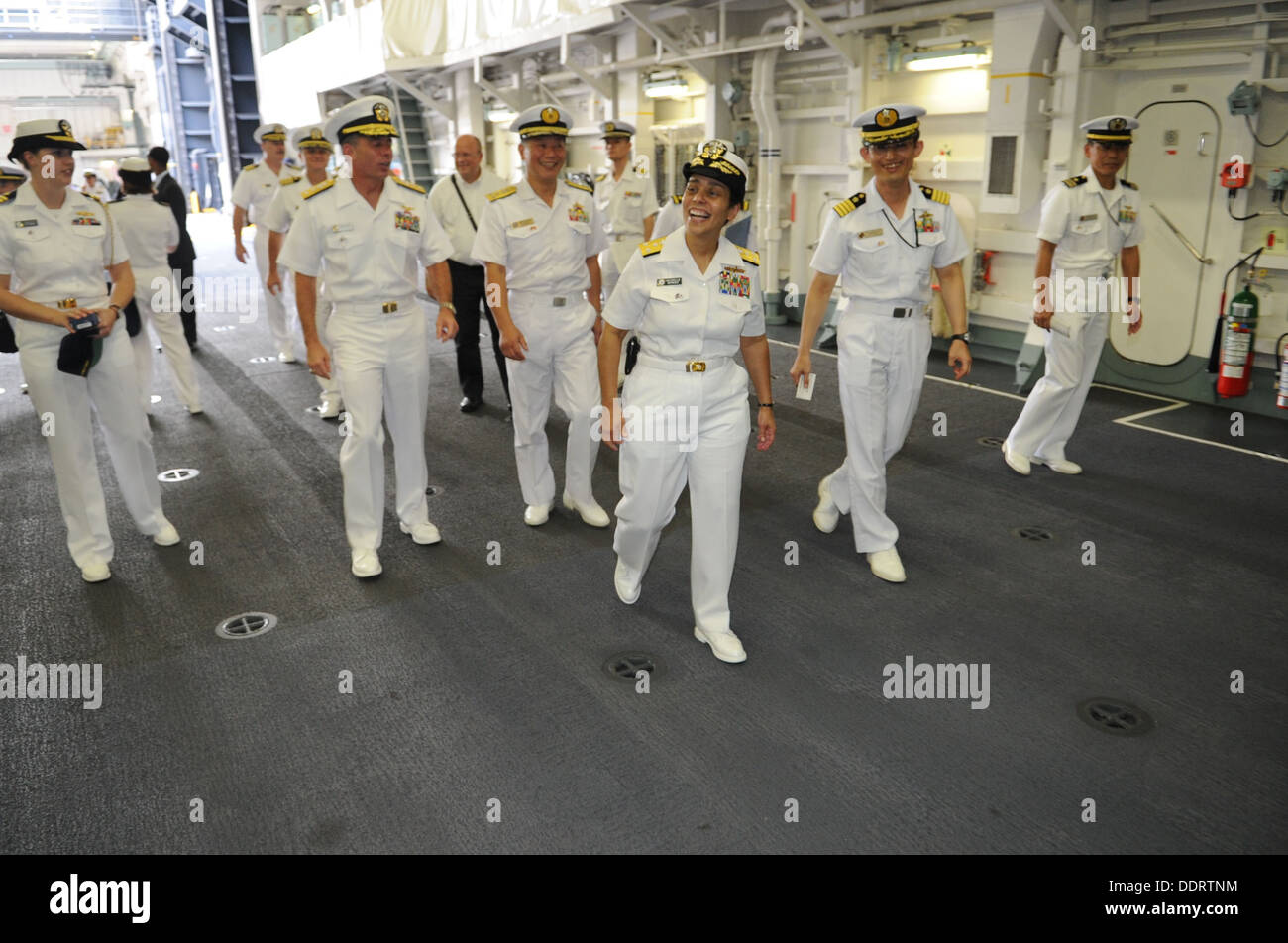 TOKYO (Sept. 3, 2013) Vice Adm. Michelle Howard, Deputy Chief of Naval Operations for operations, plans and strategy, tours the - Stock Image