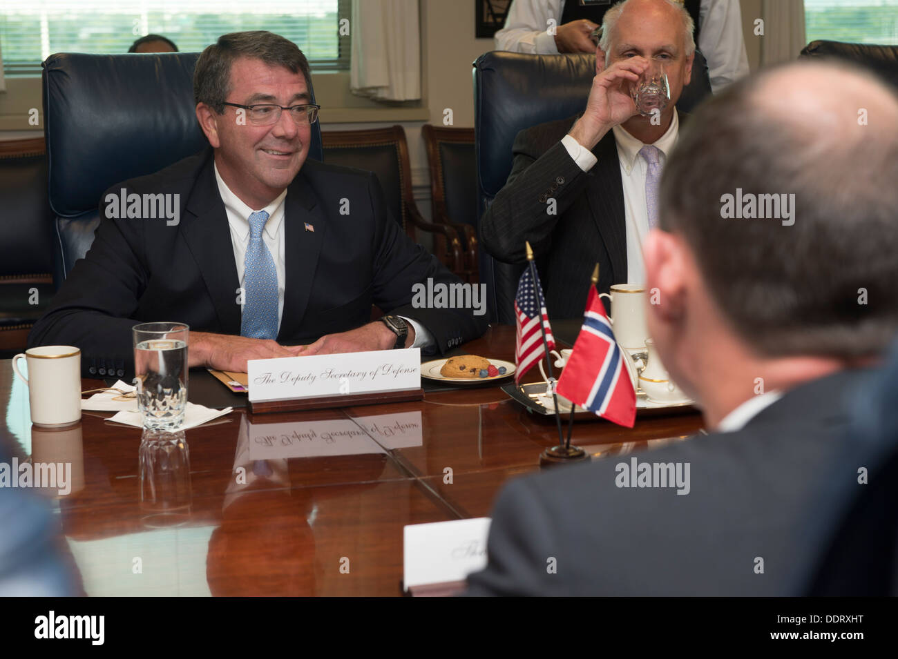 Deputy Secretary of Defense Ash Carter, left, meets with Thorshaug, foreground right, the state secretary of the Norweigan Ministry of Defense, at the Pentagon in Arlington, Va., Sept. 3, 2013. - Stock Image