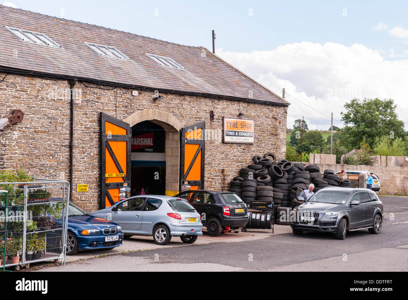 Tyre Centre High Resolution Stock Photography And Images Alamy