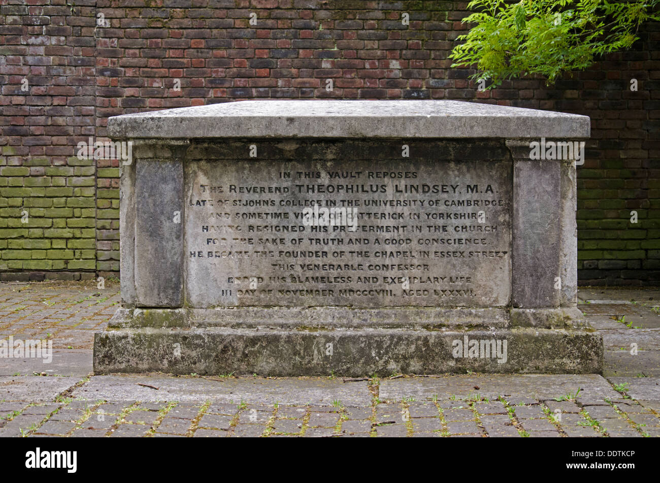 The grave of Theophilus Lindsey (1723-1808) in Bunhill Fields Burial Ground. - Stock Image