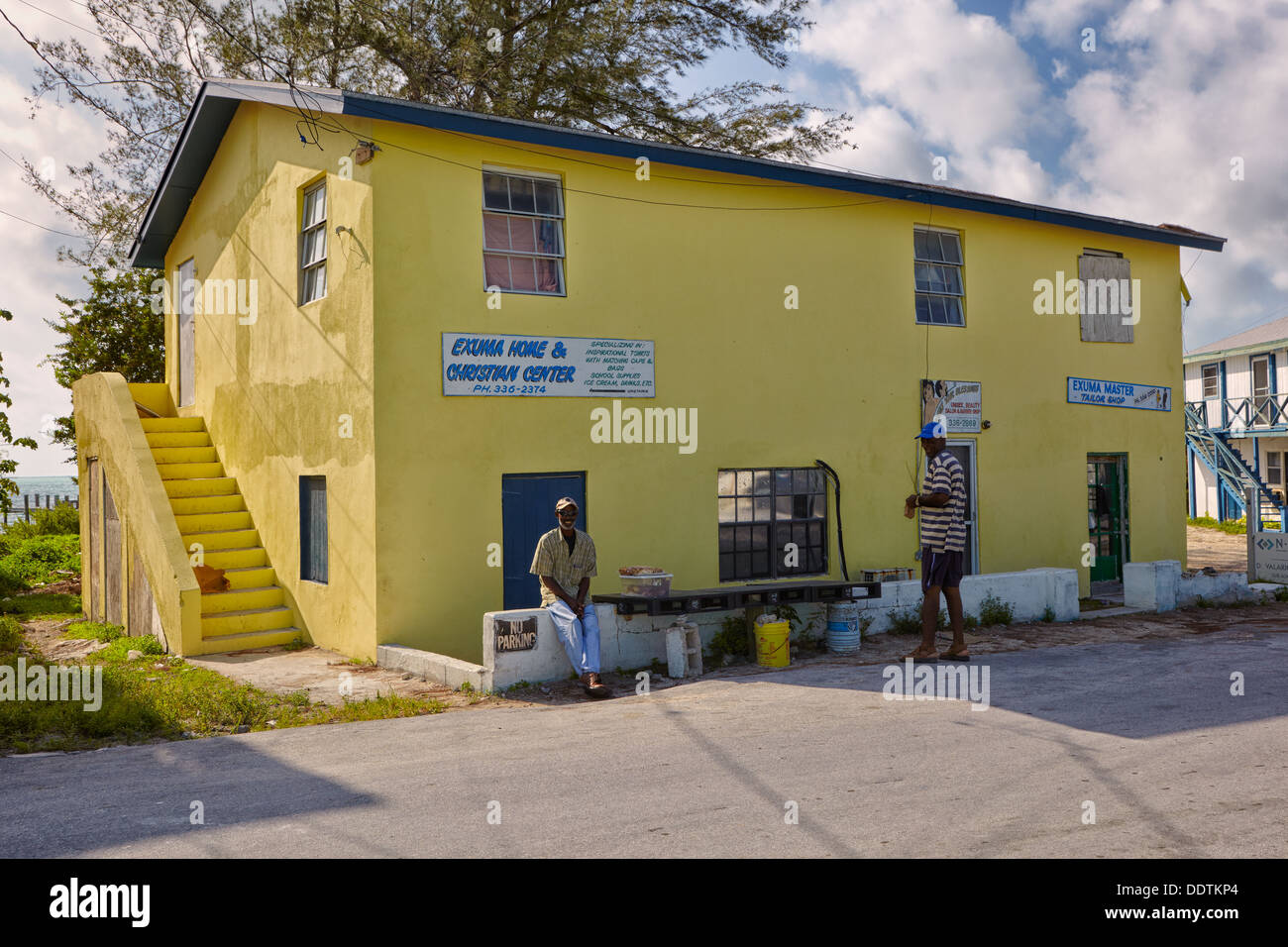 Yellow house in Georgetown, Great Exuma, Bahamas, Caribbean - Stock Image