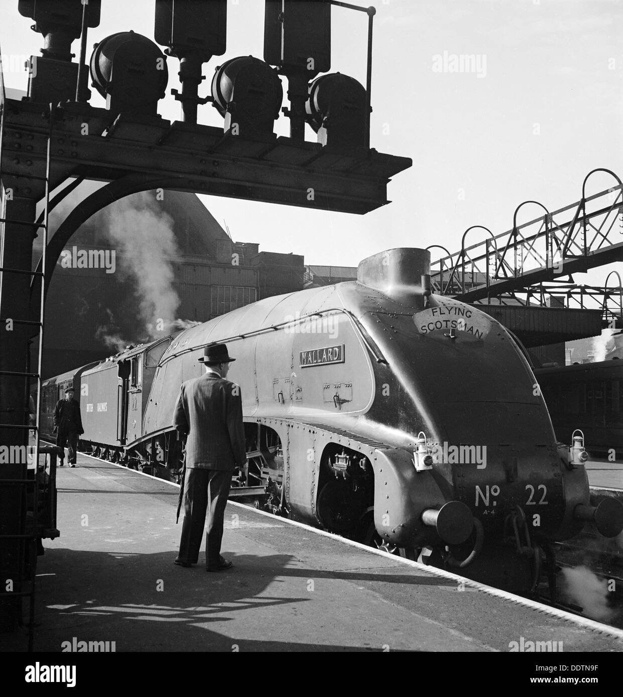 The 'Flying Scotsman', King's Cross Station, London, 1948. Artist: John Gay - Stock Image
