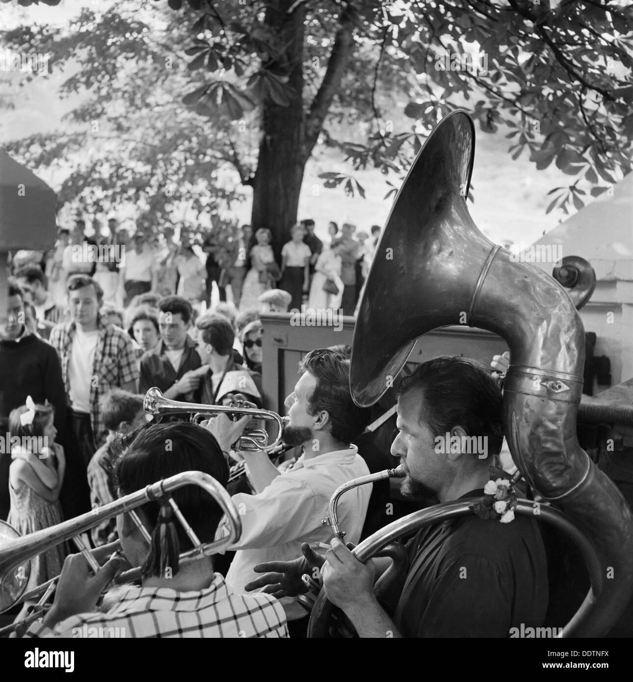 Open-air concert on Hampstead Heath, London, 1957-1962. Artist: John Gay - Stock Image