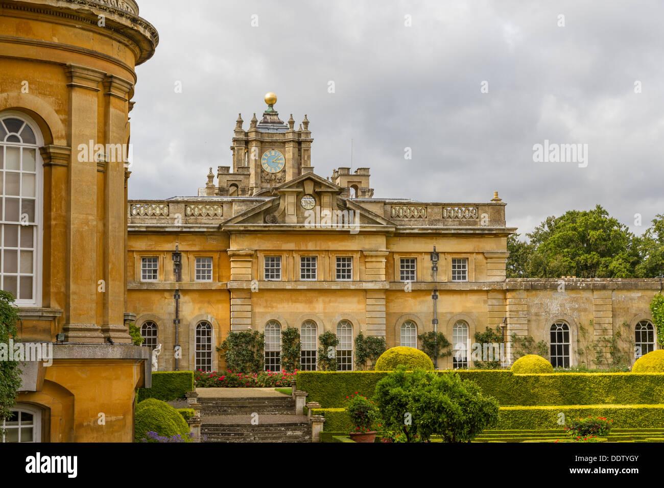 The Duke of Marlborough\'s Private Italian Garden at Blenheim Palace ...