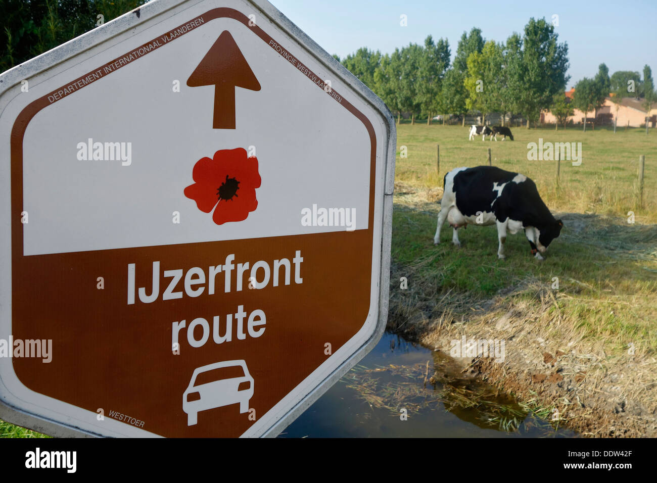Signpost for  IJzerfrontroute, car route visiting WW1 battlefield places along the Yser frontline in West Flanders, Belgium - Stock Image