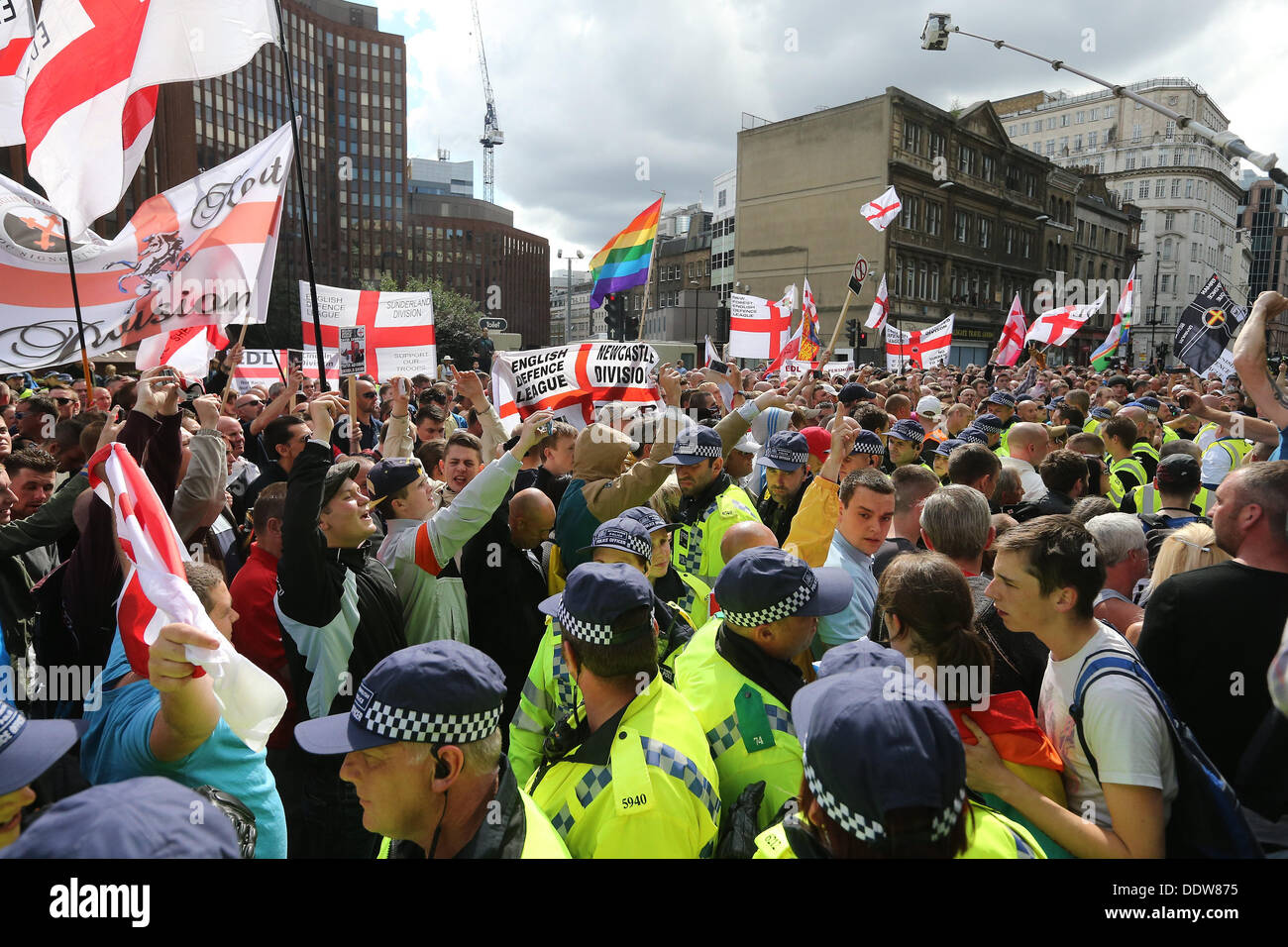 London, UK. 7th September 2013. The Right-Wing Pressure Group, The English Defence League, March and rally against Sharia law on the outskirts of Tower Hamlets. London, United Kingdom, 07/09/2013  Credit:  Mario Mitsis / Alamy Live News - Stock Image