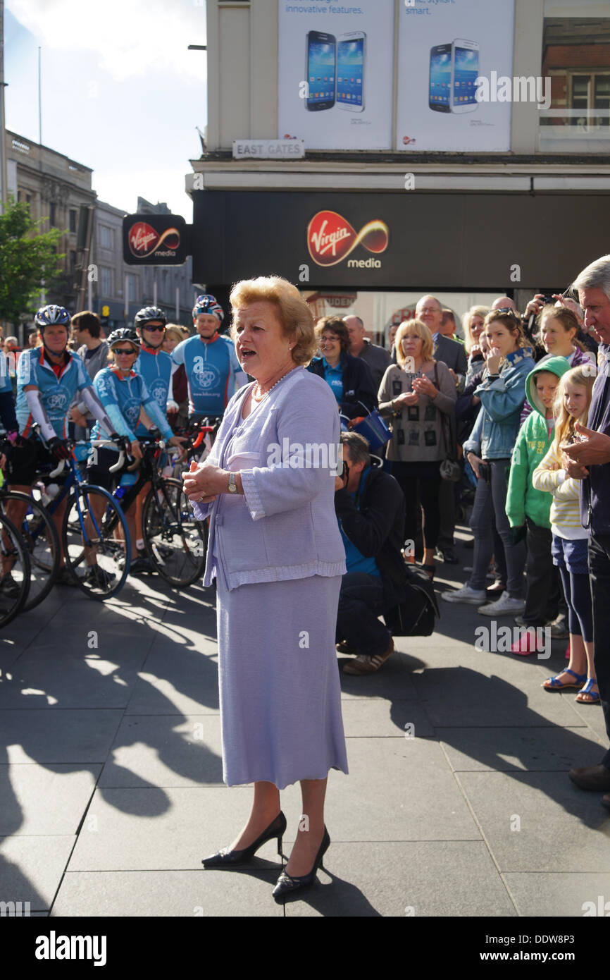 Lady Gretton, Lord Lieutenant of Leicestershire, addresses the riders. - Stock Image