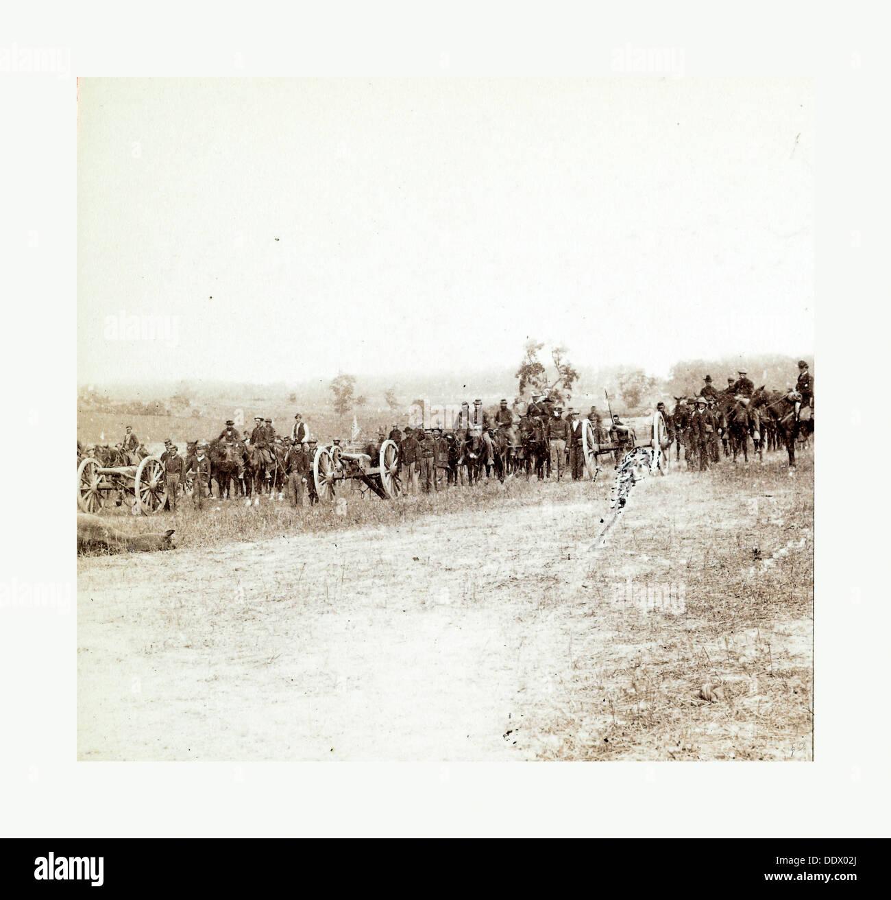 American Civil War: Captain J. M. Knap's Pennsylvania Independent Battery E Light Artillery approaching the battlefield - Stock Image