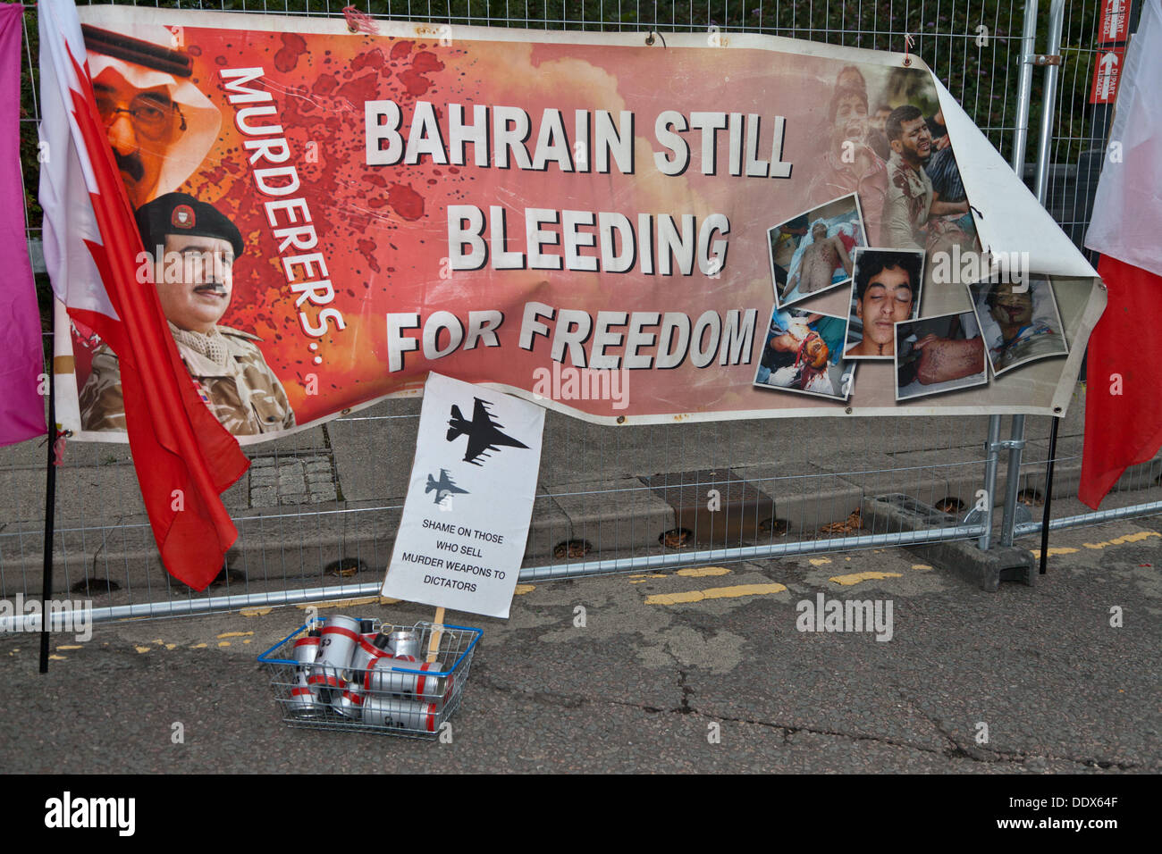 London, UK. 8th Sep, 2013.  Anti arms protestors block entrances to the Excel Centre where  the Defence Security Stock Photo